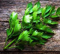 Lubczyk ogrodowy - jakie ma właściwości i jak wykorzystać go w kuchni?