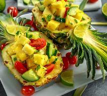 Sałatka hawajska - z kurczakiem, ananasem i jabłkiem - jak zrobić?