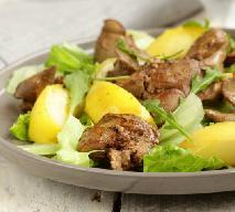 Wątróbka duszona z jabłkiem: przepis na pożywny obiad