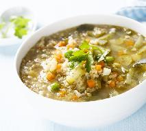 Zupa ogórkowa z kaszą bulgur - ciekawa wersja tradycyjnej ogórkowej z egzotyczną kaszą
