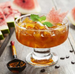 Whisky z cytrusami - przepis na drinka z limonkowej whisky i pomarańczowego lodu