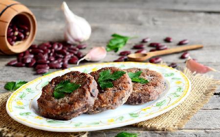 Burgery wegetariańskie - z kaszy i fasoli