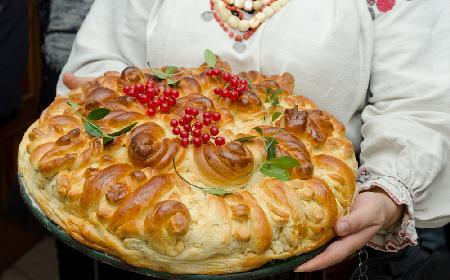Korowaj Mielnicki Przepis Na Drozdzowe Ciasto Weselne Beszamel Se Pl