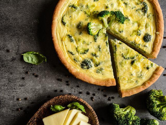 Tarta Z Brokulami I Serem Feta Dobry Przepis Beszamel Se Pl