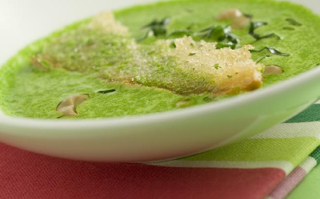 Zupa krem z bobu - przepis na pyszną zieloną zupę