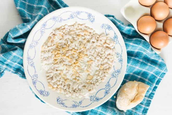 Zacierka: przepis na klasyczny dodatek do zup i gulaszy