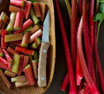 Rabarbar - jakie ma właściwości? Dlaczego warto jeść rabarbar?