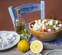Sałatka tabbouleh z wegańskim zamiennikiem sera feta