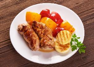 Schabowe cebulaki: przepis na roladki wieprzowe z cebulą