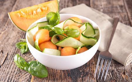 Odświeżająca sałatka z ogórka i melona