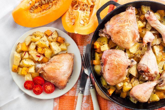 Kurczak z warzywami: danie z piekarnika