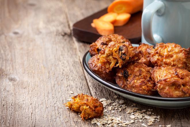 Zdrowe i proste ciasteczka z marchewki i płatków owsianych