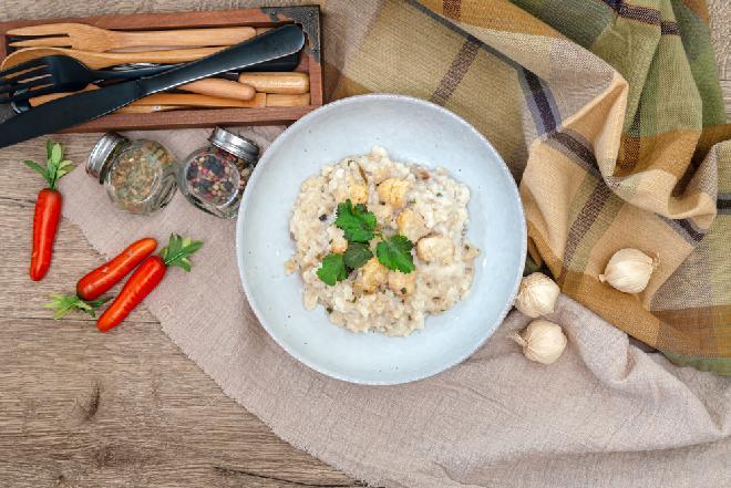 Risotto z kurczakiem - sprawdzony przepis na pyszne risotto z pieczoną piersią