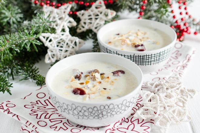 Migdałowa zupa wigilijna z ryżem [WIDEO]